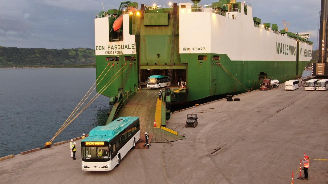 Cooperación alemana y empresa BYD capacitarán a técnicos y choferes de Costa Rica sobre la tecnología de buses eléctricos.