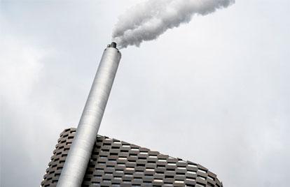 Ecologistas cuestionan la huella ambiental del proyecto, debido a sus emisiones de CO2.